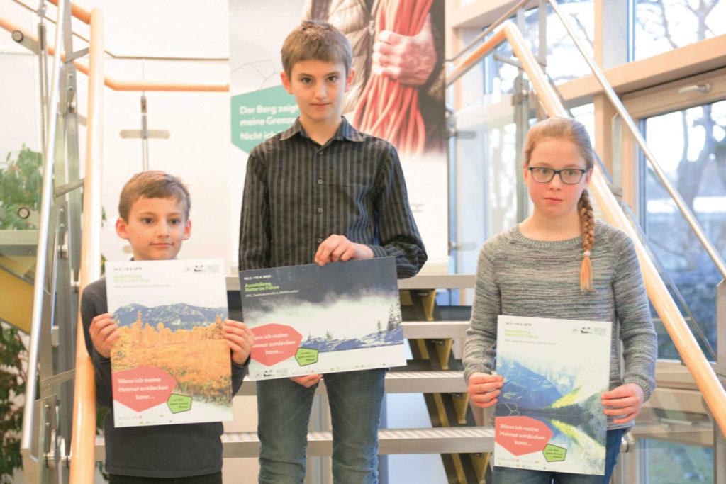 Die drei Preisträger des Fotowettbewerbs aus der Region. Foto Lisa Mitterbuchner/ANL