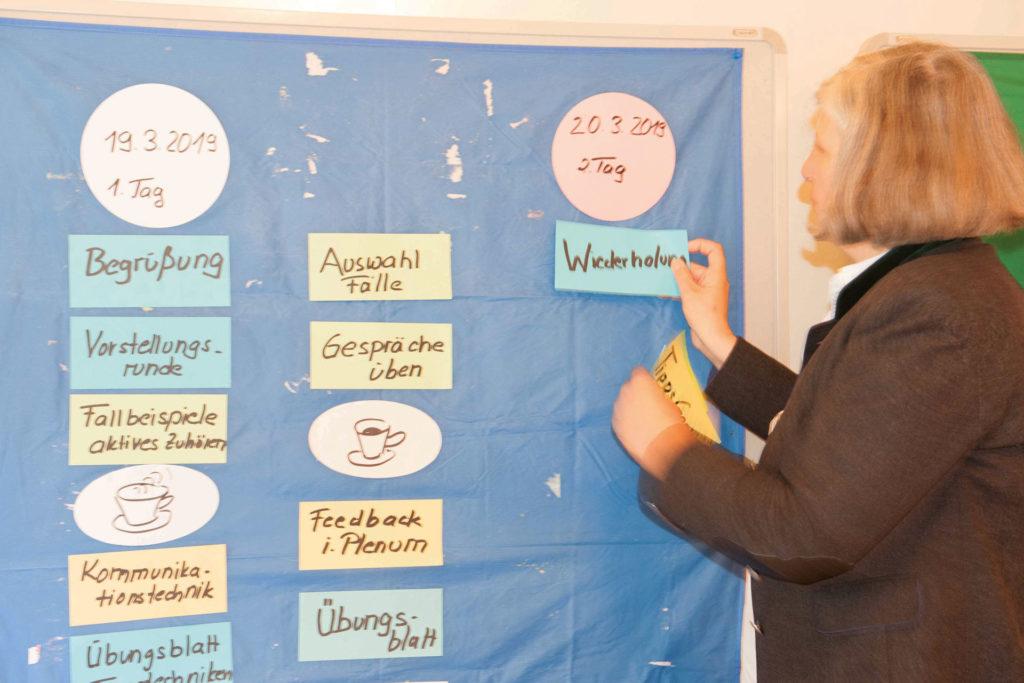 Gisela Wachinger stellt das 2-Tagesprogramm vor Foto: Florian Wetzel/ANL